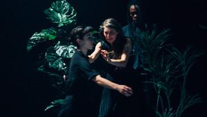 Una escena de 'IUanMI', segunda parte de la trilogía dela coreógrafa Lali Ayguadé sobre la transformación.