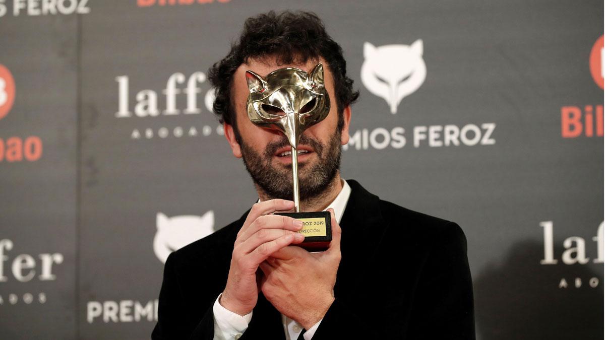 Las películas Campeones y El reino, ganadoras de los Premios Feroz 2019. En la foto,El realizador Rodrigo Sorogoyen, con el premio a mejor dirección por El reino.