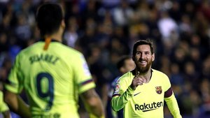 Messi festejando su hat trick en el último partido ante el Levante.