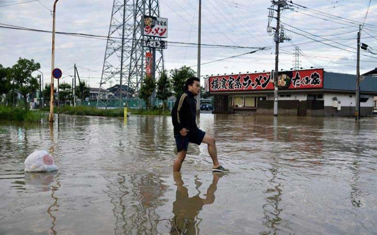 Las lluvias inundan parte del territorio japonés.