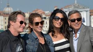 De izquierda a derecha, Rande Gerber, Cindy Crawford, Amal Alamuddin y George Clooney, el 26 de septiembre del 2014 en Venecia.