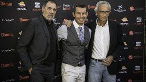 Toni Cruz, Jesús Vázquez y el doctor Bonaventura Clotet, en la antigua fábrica Damm.