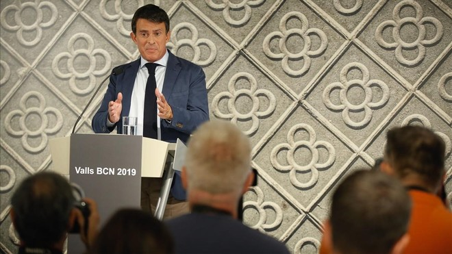 Manuel Valls durante la rueda de prensa de hoy miércoles, día 26.