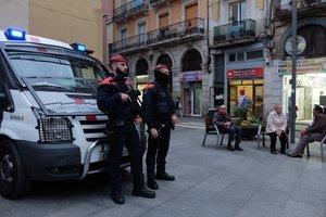 Mossos desplegados en Ciutat Vella.