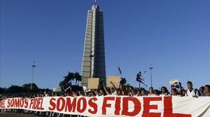 Pancarta en la plaza de la Revolución de la Habana.