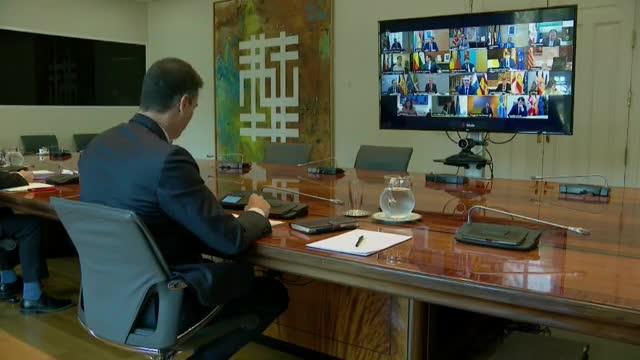 El presidente del Gobierno, Pedro Sánchez, ha iniciado ya una nueva videoconferencia con los presidentes de las comunidades y ciudades autónomas, a quienes trasladará el borrador del decreto que regulará las medidas para controlar la pandemia una vez que el 21 de junio termine el estado de alarma.