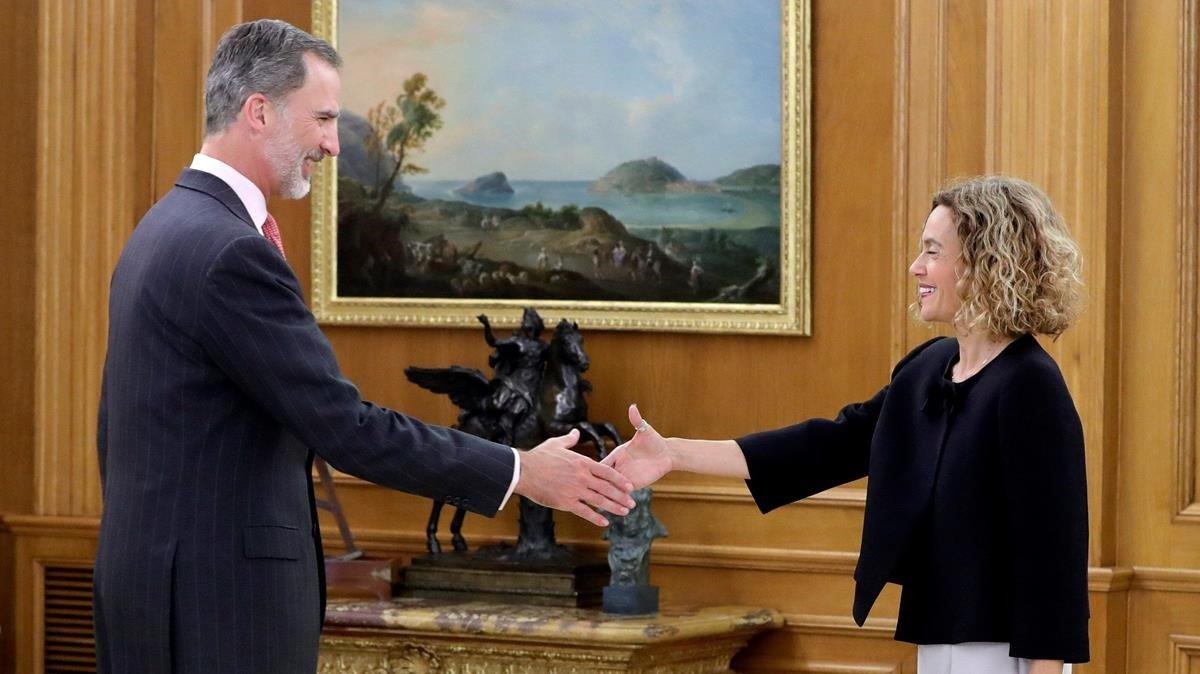 El Rey recibe a la presidenta del Congreso, Meritxell Batet, quien le ha entregadola lista de los representantes de los partidos para la ronda de consultas.