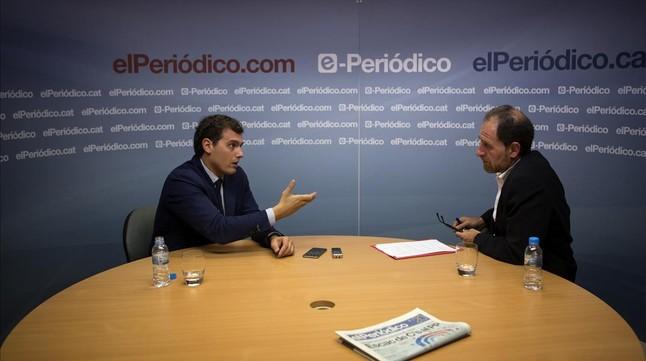 Rivera, durante la entrevista con el director de EL PERIÓDICO, Enric Hernàndez.