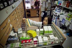Almacén con medicamentos de una farmacia de Barcelona.