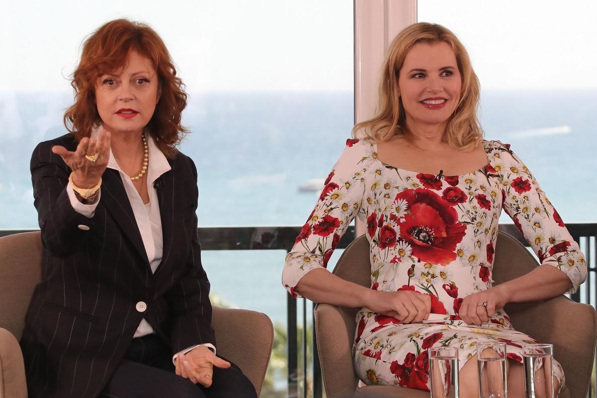 Susan Sarandon (izquierda) y Geena Davis, durante el debate sobre mujeres y cine organizado en el marco del festival de Cannes.