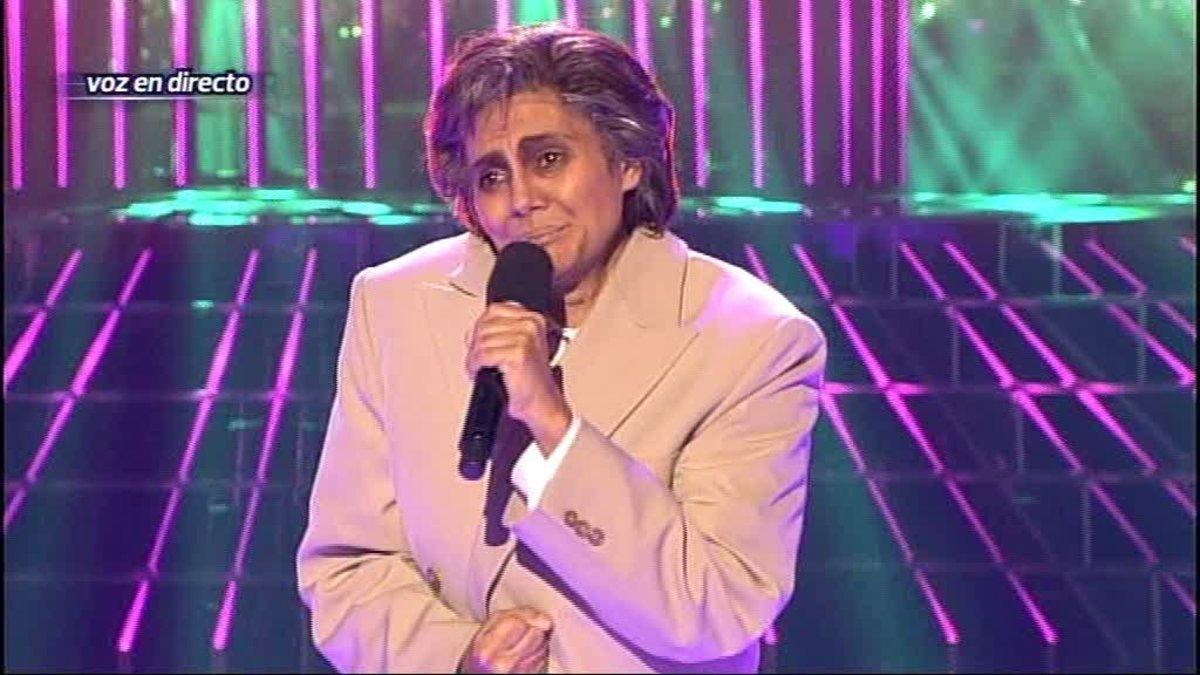 Sylvia Pantoja imitando a Chiquetete en 'Tu cara me suena'.