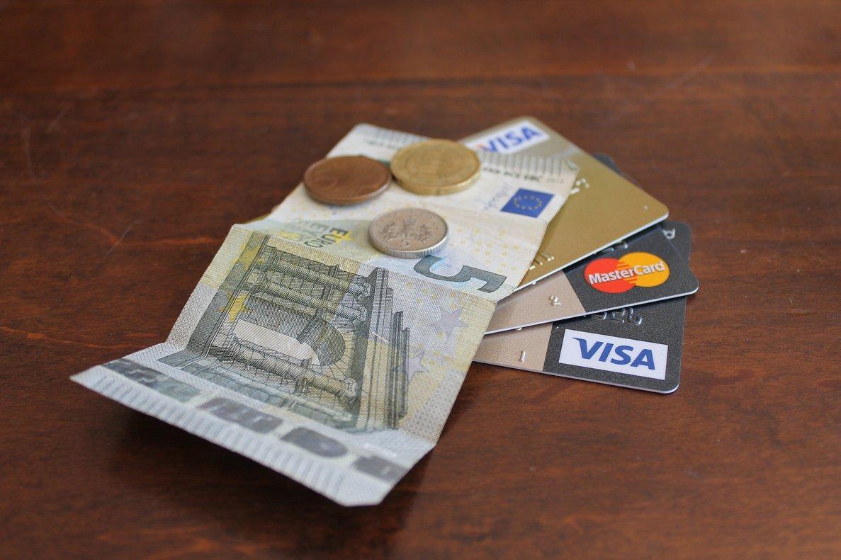Debemos ser cautos con las tarjetas de crédito para no sobreendeudarnos