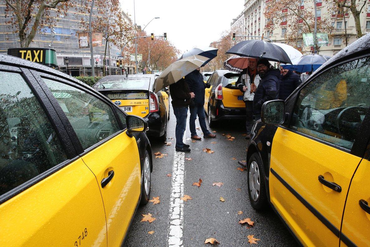 Protesta de taxistas en Barcelona, el 1 de enero del 2019.