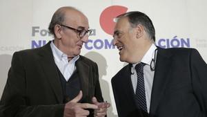 Jaume Roures, responsable de Mediapro, y Javier Tebas, en el Foro de la Nueva Comunicación./EFE