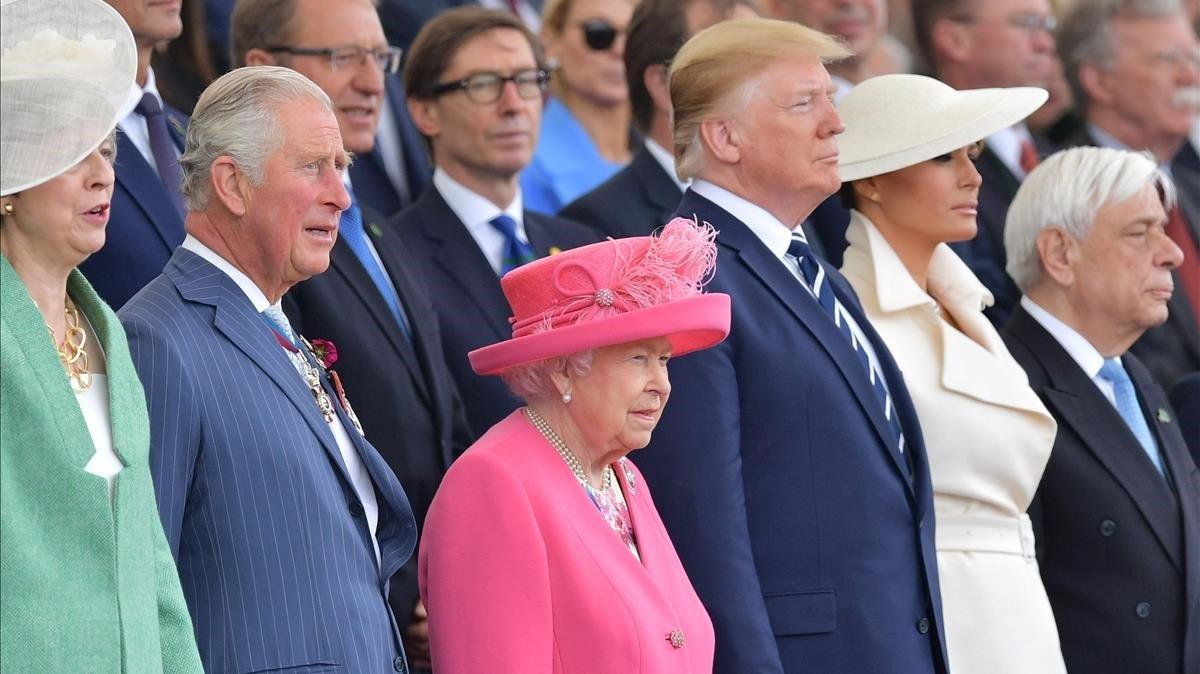 Theresa May, el príncipe Carlos, la reina Isabel de Inglaterra, Donald y Melania Trump y el presidente griego, Prokopis Pavlopoulos, en Portsmouth.