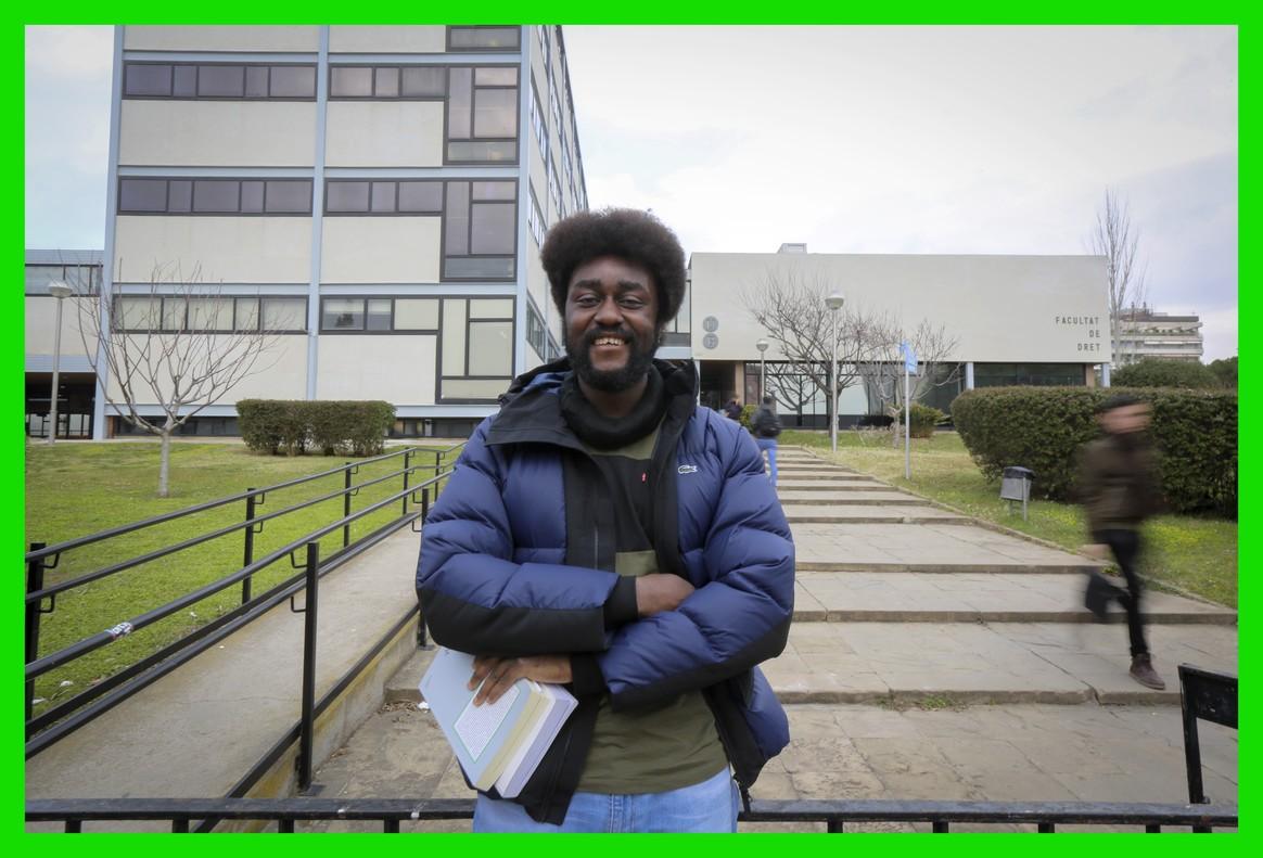 Deogracias Edjam Ona, estudiante de Derecho en la UB de Barcelona.