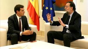 El presidente del Gobierno, Mariano Rajoy, y el líder de Cs, Albert Rivera, en una imagen de archivo.