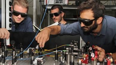 El diálogo de un gas y un cristal acerca el internet cuántico