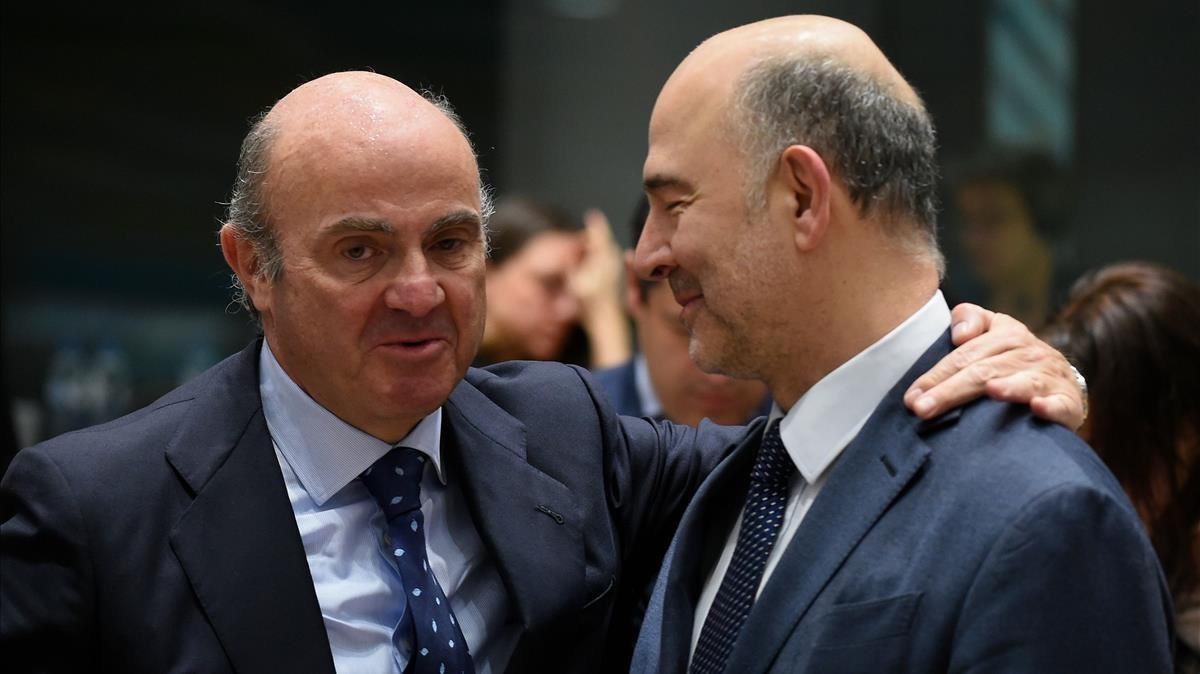 La inminente salida de Luís de Guindos hacia el BCE ha generado contrapuestas reacciones en la política española.