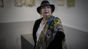 Antonia Santiago Amador, la Chana, en la Biblioteca Fort Pienc de Barcelona.