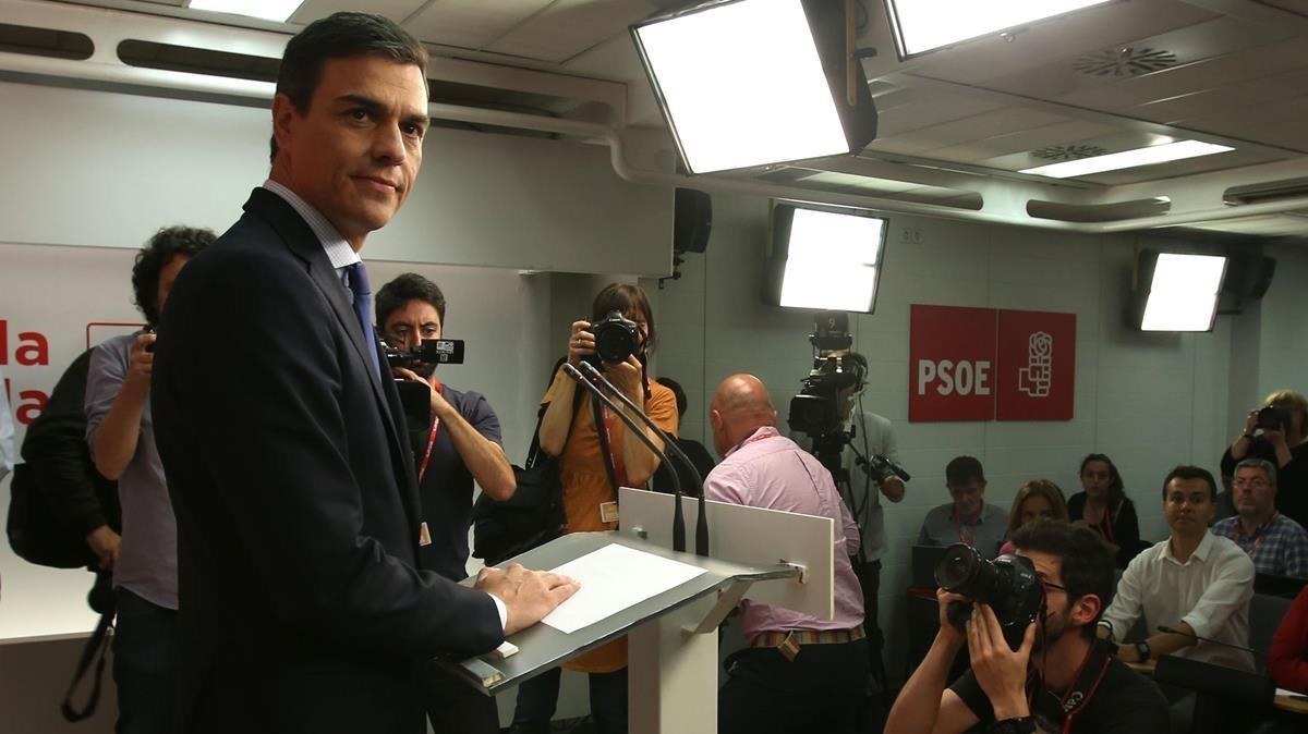 Pedro Sánchez, en la conferencia de prensa tras anunciar la moción, en la sede madrileña del PSOE.