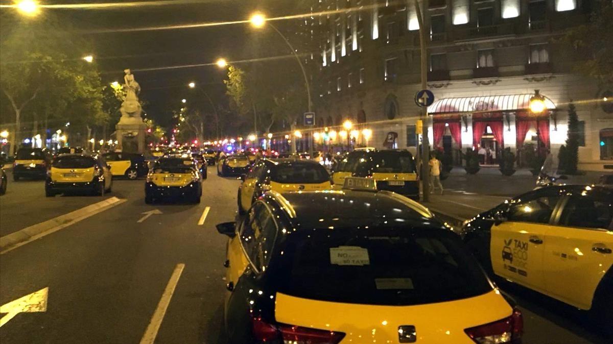 Los taxistas ocuparon la Gran Vía de Barcelona el pasado mes de julio.