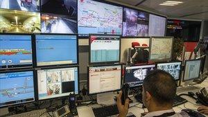 Centro de control de seguridad del metro de Barcelona.