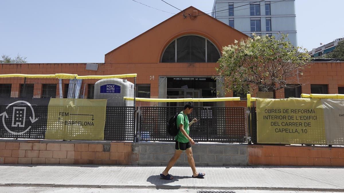 Obras en el edificio de Sant Andreu que albergará la nueva escuela.