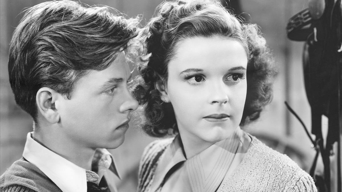 Mickey Rooney y Judy Garland en 'Los hijos de la farándula'.