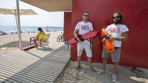 Los miembros de SOS Socorristes denuncian las precarias condiciones laborales del colectivo.
