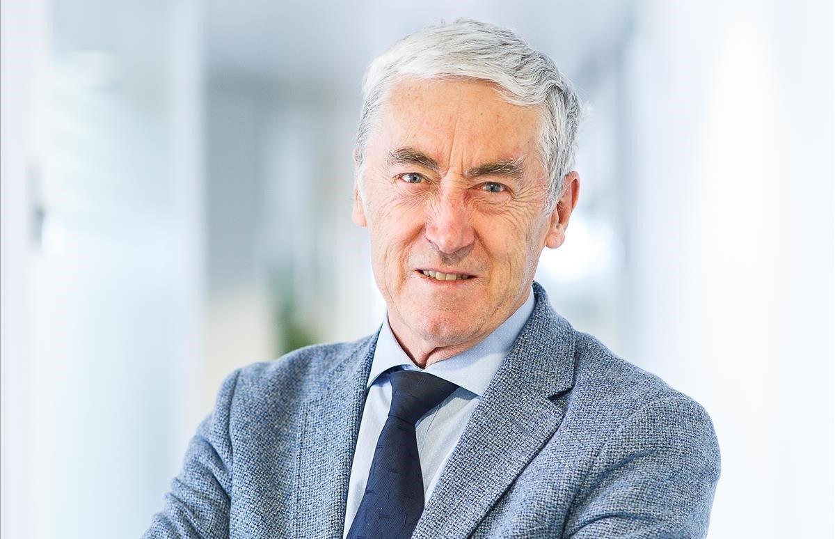Paul de Grauwe: «Si no hi ha eurobons, el BCE hauria de finançar els països»