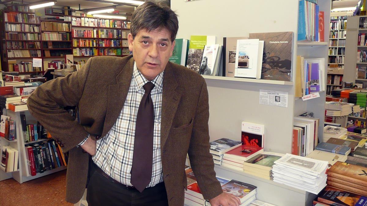 Guillem Terribas, librero de la Llibreria 22 de Girona.