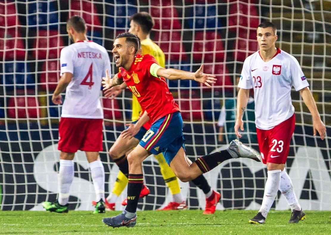 Dani Ceballos, nuevo jugador del Arsenal, celebra un gol con la seleccion española sub-21 en el último Europeo.