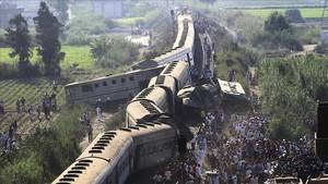 Imagen de los trenes accidentados en Alejandría.