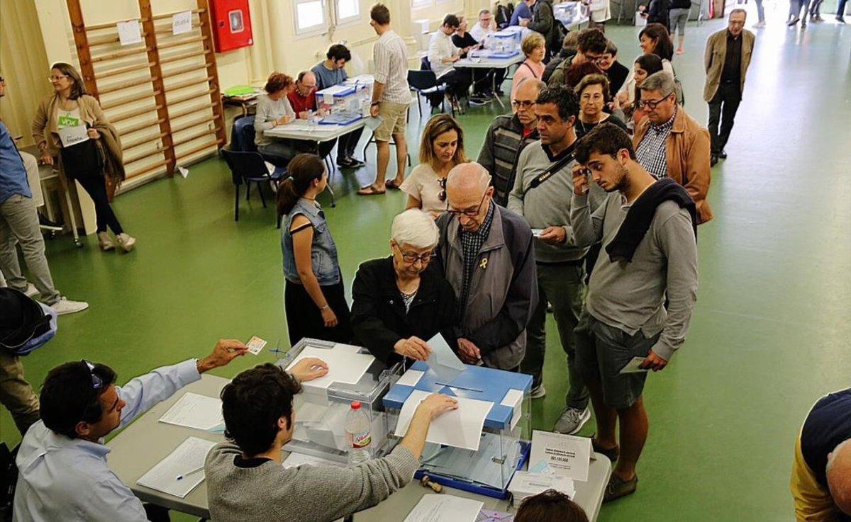 Ambiente electoral en el colegio Jesuïtes Sant Gervasi-Infant Jesús.
