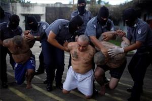 El pasado 21 de agosto, un tribunal antimafia de El Salvador condenó a penas de hasta 100 años de prisión a 61 miembros de la MS13.