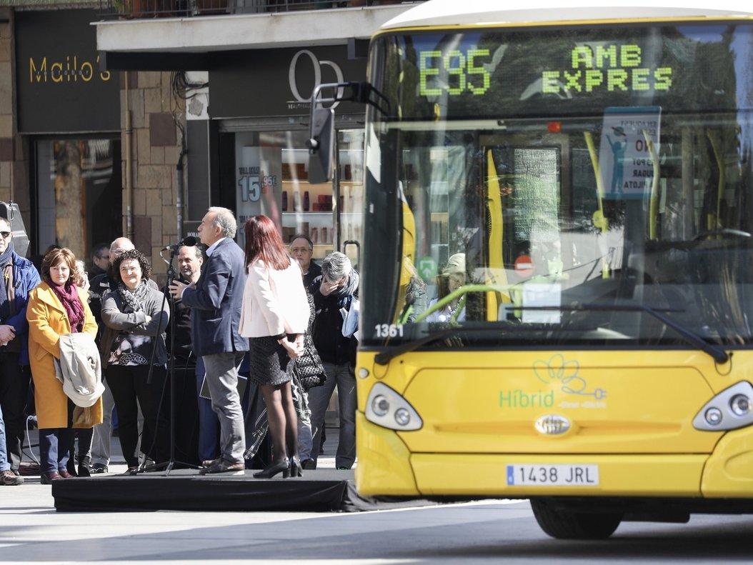 Autobús de la línea E95 de AMB Exprés