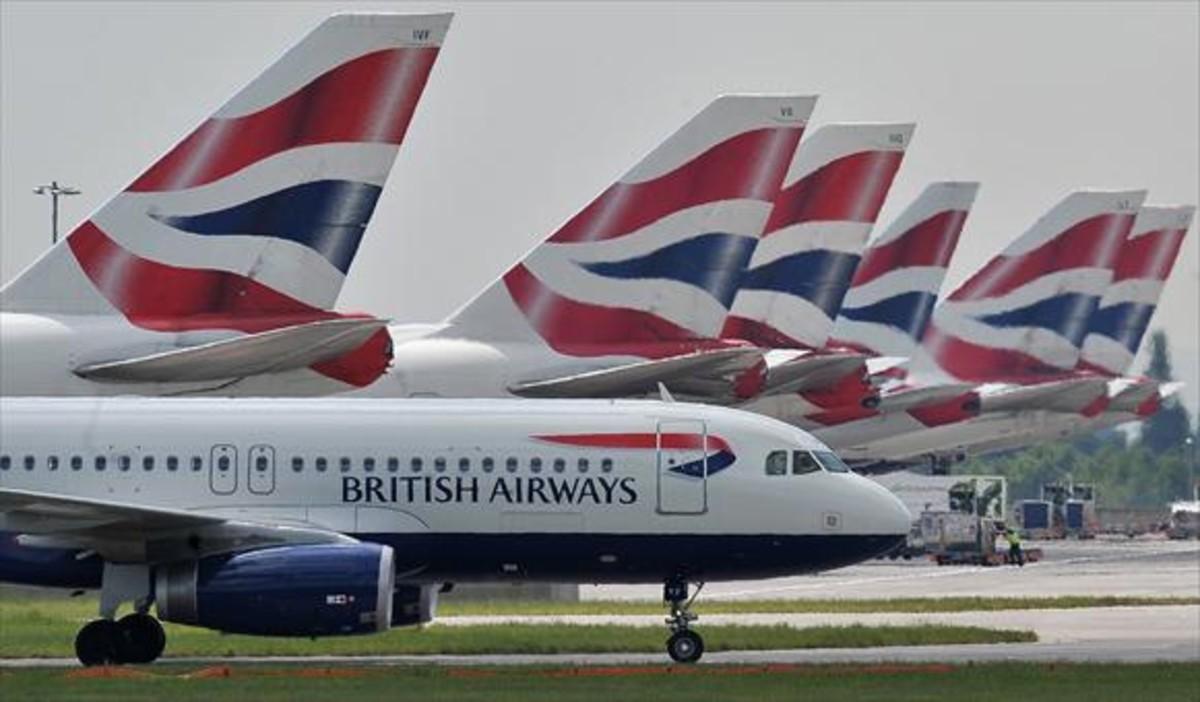 Aviones de British Airways en la terminal 5 del aeropuerto londinense de Heathrow.