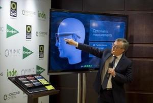 LENTES PERSONALIZADAS. El director de innovación de Horizons Optical, Juan Carlos Dürsteler, en la presentación del producto.