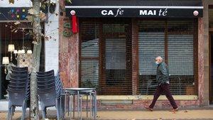 Cafetería cerrada por las restricciones por coronavirus.
