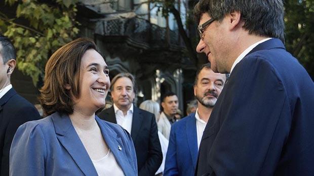 Colau y Puigdemont han llegado a un pacto para el referéndum.