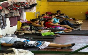 Personas desplazadas de sus hogares por la violencia en Colombia.