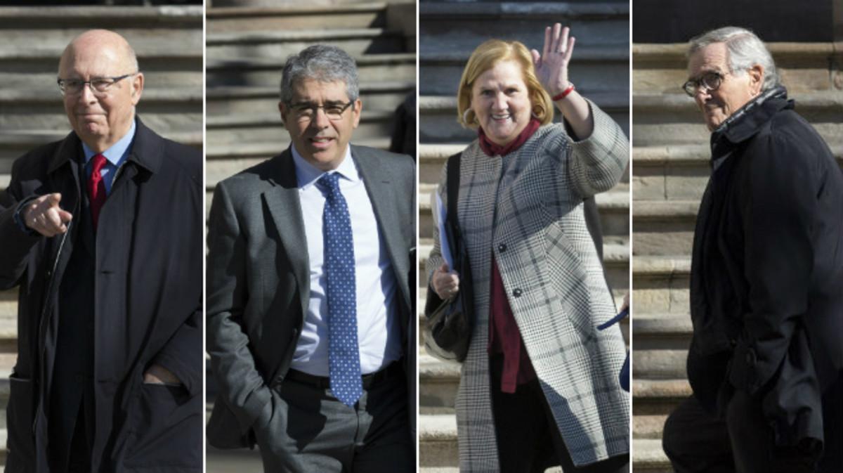 Joan Rigol, Francesc Homs, Núria de Gispert y Xavier Trias, este miércoles, a las puertas del Palau de la Justícia.