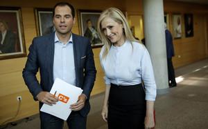 Cristina Cifuentes y Ignacio Aguado, durante la reunión que han mantenido este viernes.