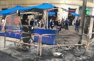 Destrozos en la plaza de Urquinaona de Barcelona