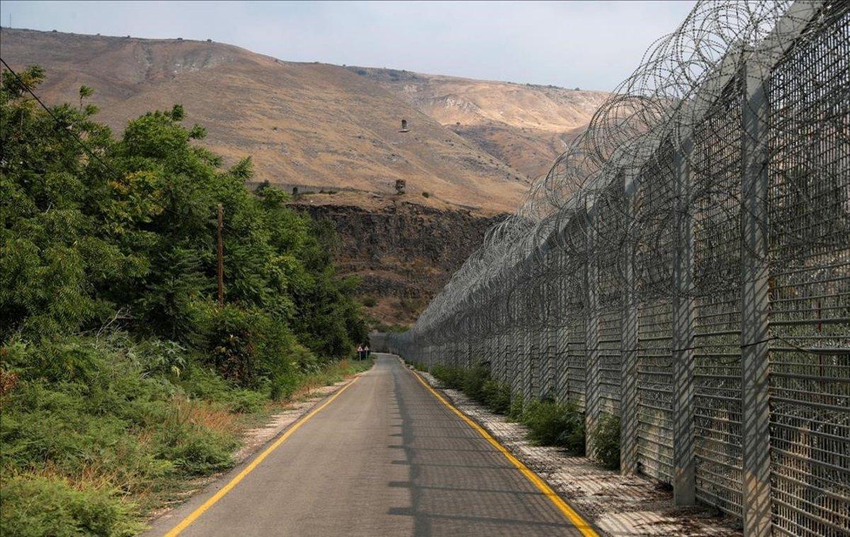 El disputado territorio de los Altos del Golán. frontera entre Israel y Siria.