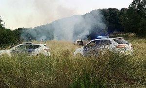 Dos coches patrulla de la Policía Local de Parets del Vallès.
