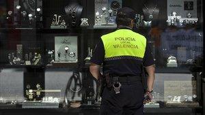 Efectivo de la Policía Local de València.