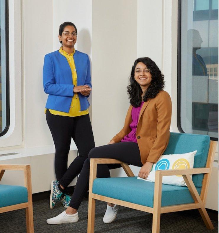 Las hermanas Jhanvi y Ketaki Shriram, que asistieron a una de las rondas del Apple Entrepreneur Camp.
