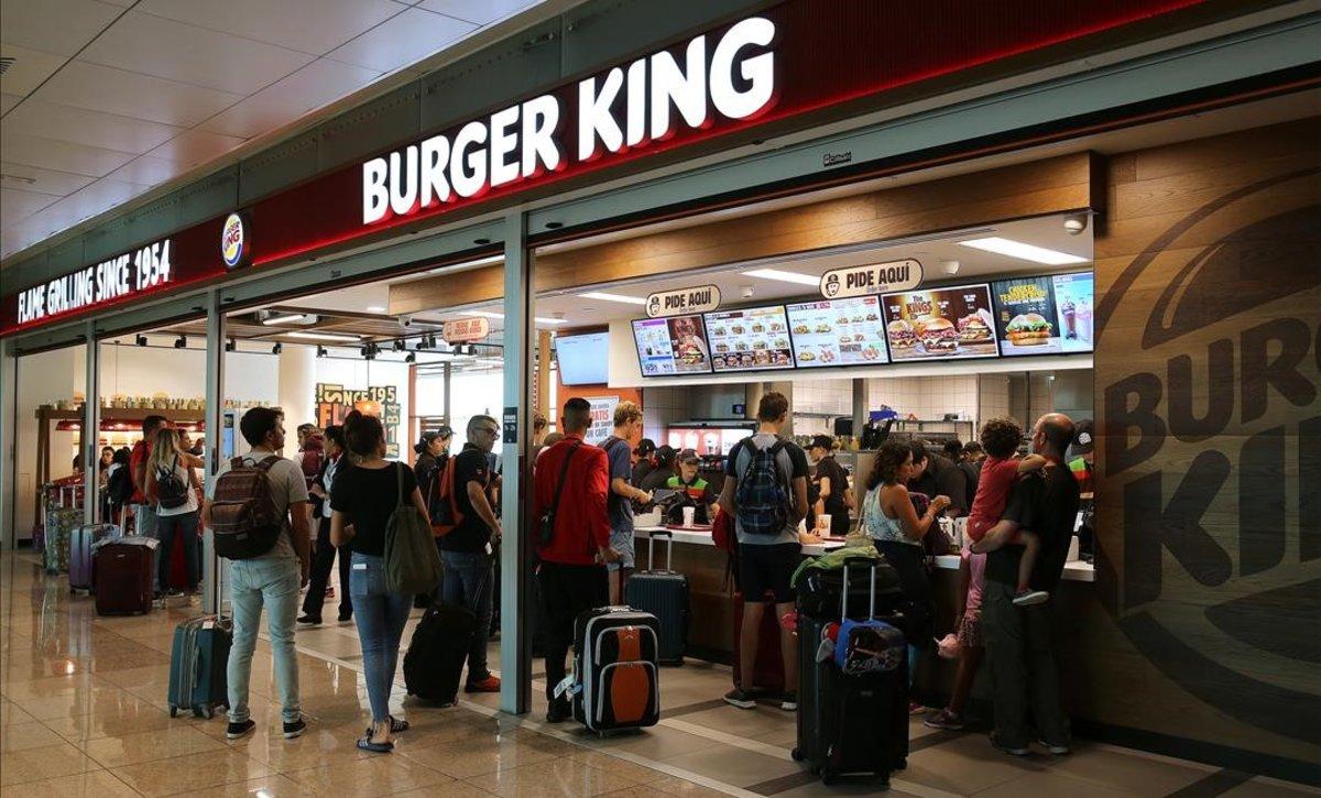 Un establecimiento de Burger King del aeropuerto de El Prat.